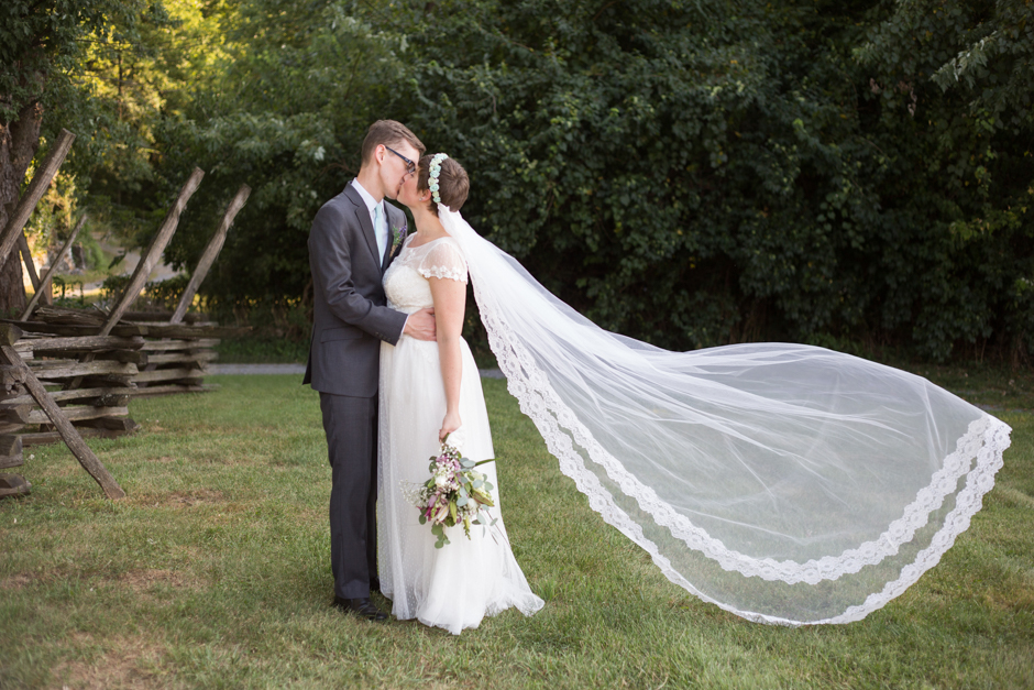A rustic and book themed wedding at the Barn at Springfield Farms by Maryland wedding photographer Christa Rae Photography